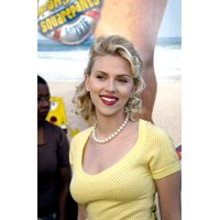 Scarlet Johansson At The Premiere Of The Spongebob Squarepants Movie At The GraumanS Chinese Theatre Hollywood Ca November 14 2004 Celebrity