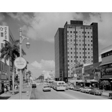 Usa Florida Miami Beach Lincoln Road Main Shopping Street With Federal Building Canvas Art     18 X 24