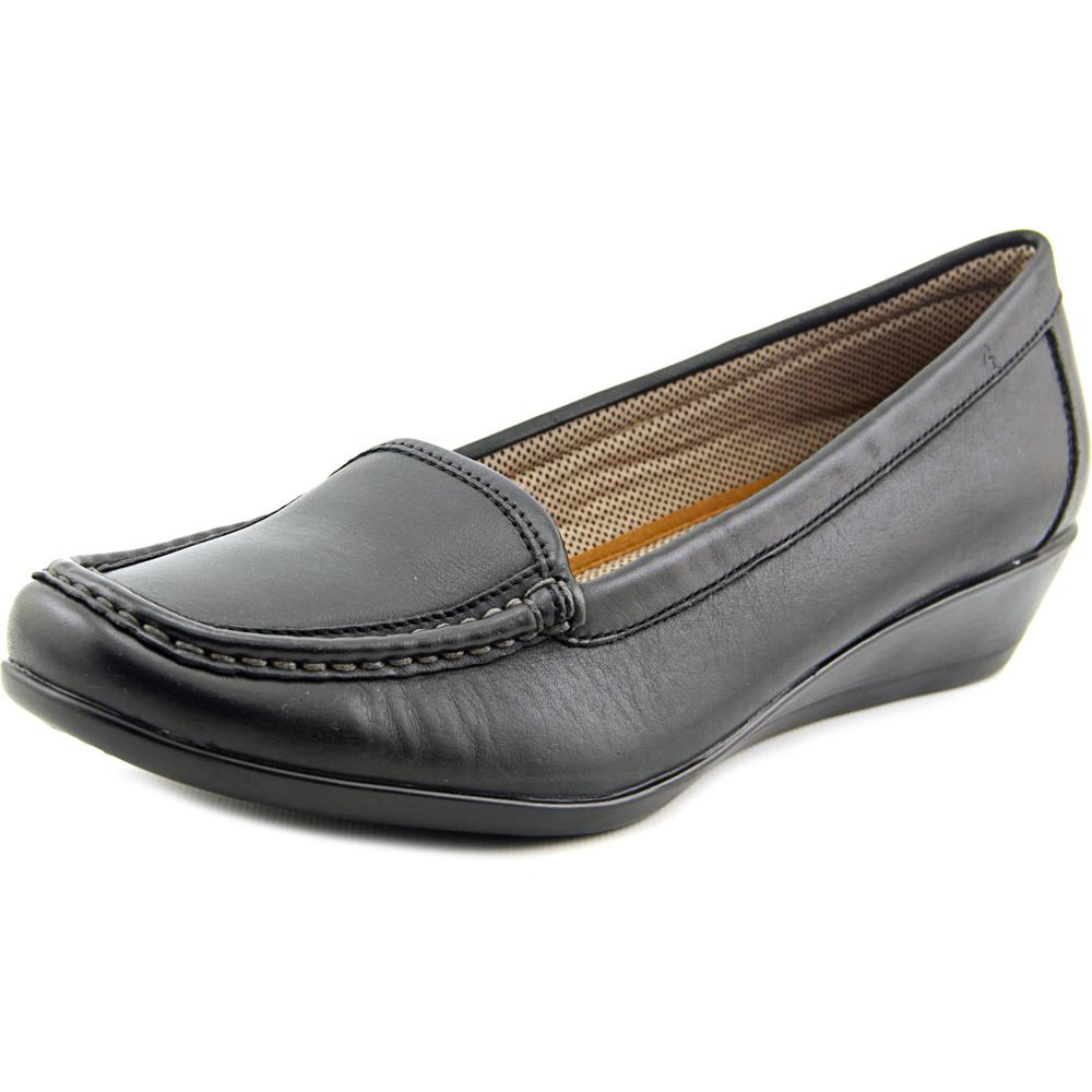 Eastland Haiey Women W Round Toe Leather  Loafer