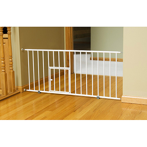 Awesome Carlson Mini Gate With Pet Door