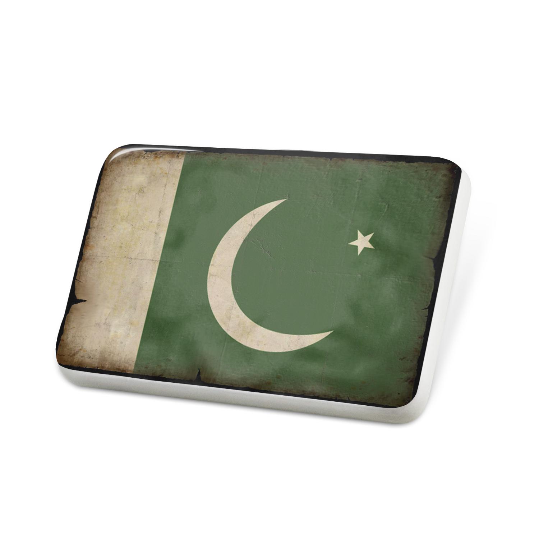 Porcelein Pin Pakistan Flag with a vintage look Lapel Badge – NEONBLOND