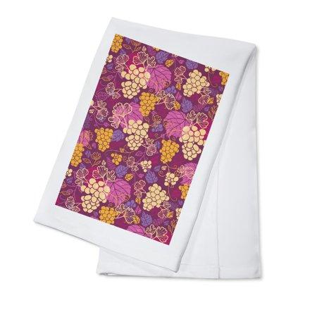 Wine Grapes & Leaves Pattern - Lantern Press Artwork (100% Cotton Kitchen Towel)