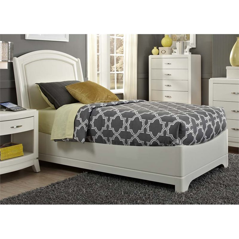 Liberty Furniture Avalon II Full Faux Leather Panel Bed in White