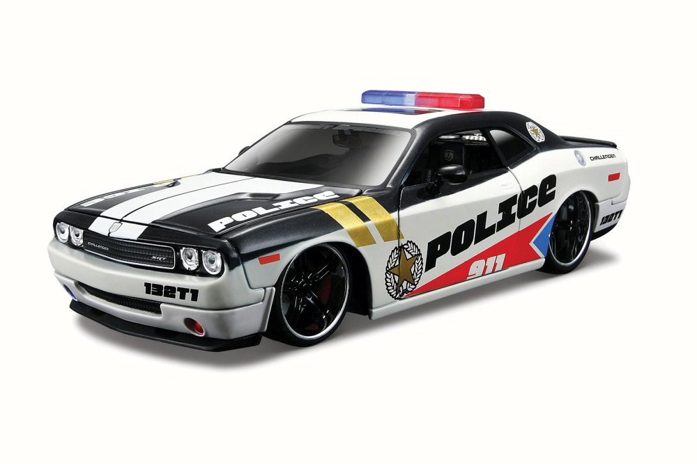 Dodge Challenger Police, White and Black Maisto 31342 1 24 Scale Diecast Model Toy Car by Maisto