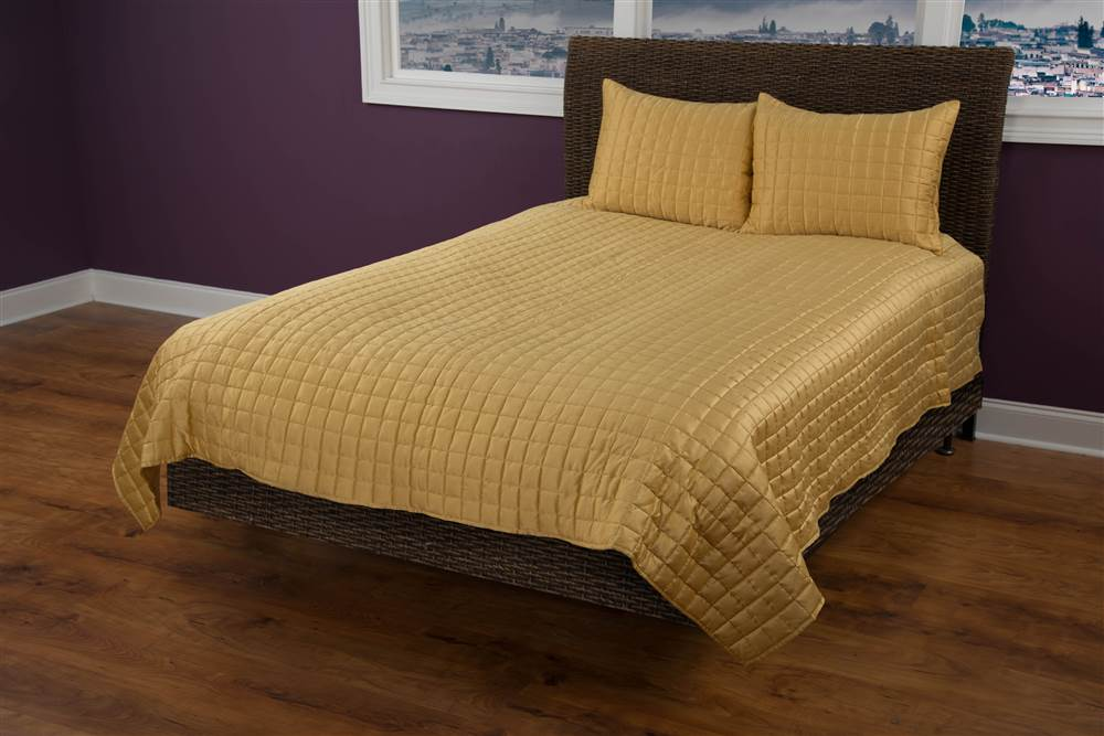 3-Pc Quilt Set in Gold (Queen) by Riztex USA, Inc.