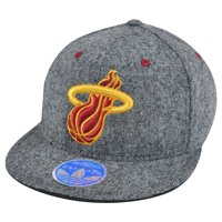 0016be046aaa8 Product Image NBA Miami Heat Adidas M146Z Flex Fit 6 7 8 - 7 1 4