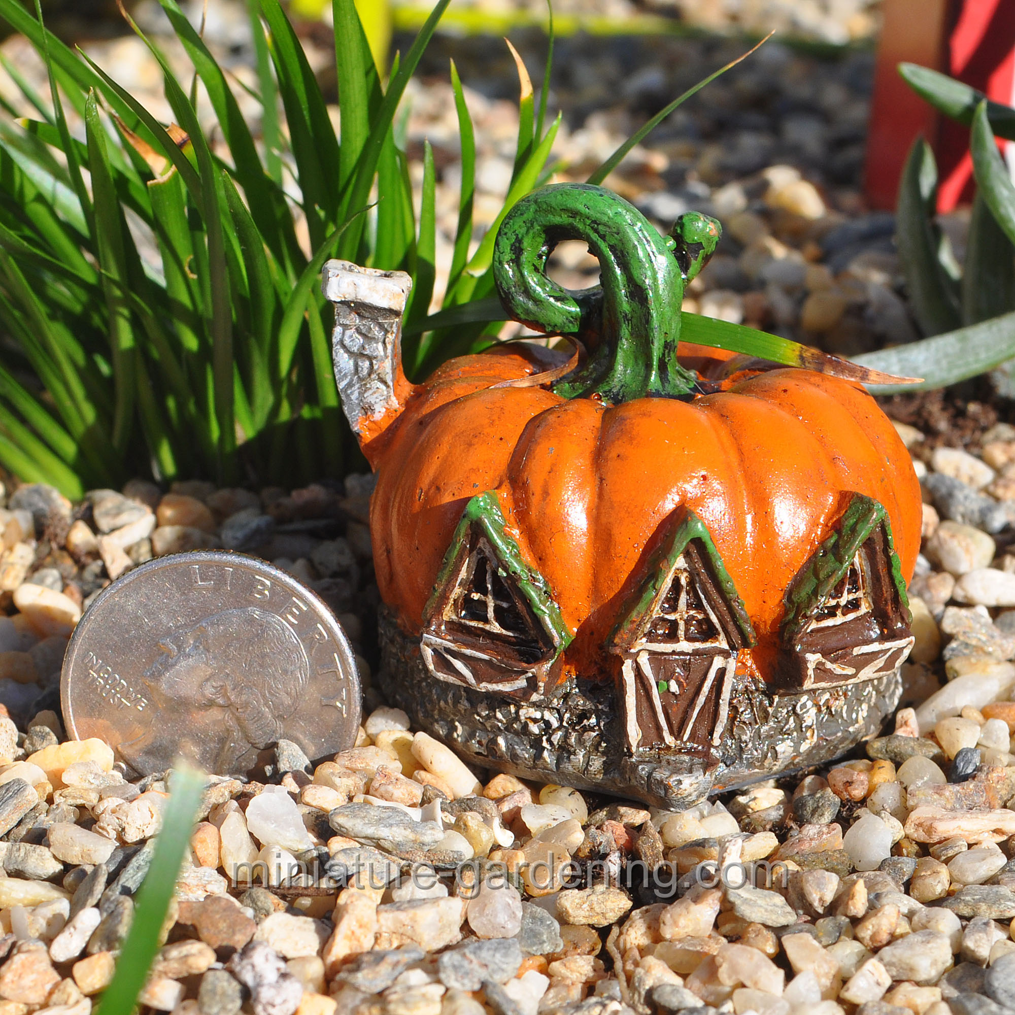 Georgetown Home & Garden Miniature Fairy Garden Micro Pumpkin House