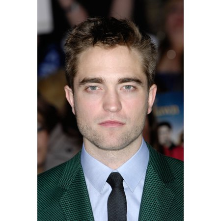 Robert Pattinson At Arrivals For The Twilight Saga Breaking Dawn   Part 2 Premiere Canvas Art     16 X 20
