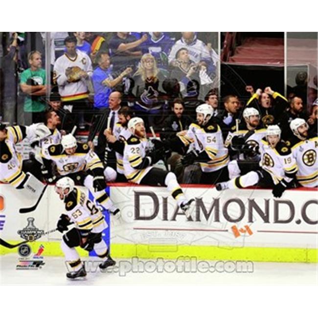 Liebermans PFSAANS21001 Boston Bruins Bench Celebration Game 7 of the 2011 NHL Stanley Cup Finals- No. 55 - 8.00 x 10.00 Poster Print PFSAANS21001