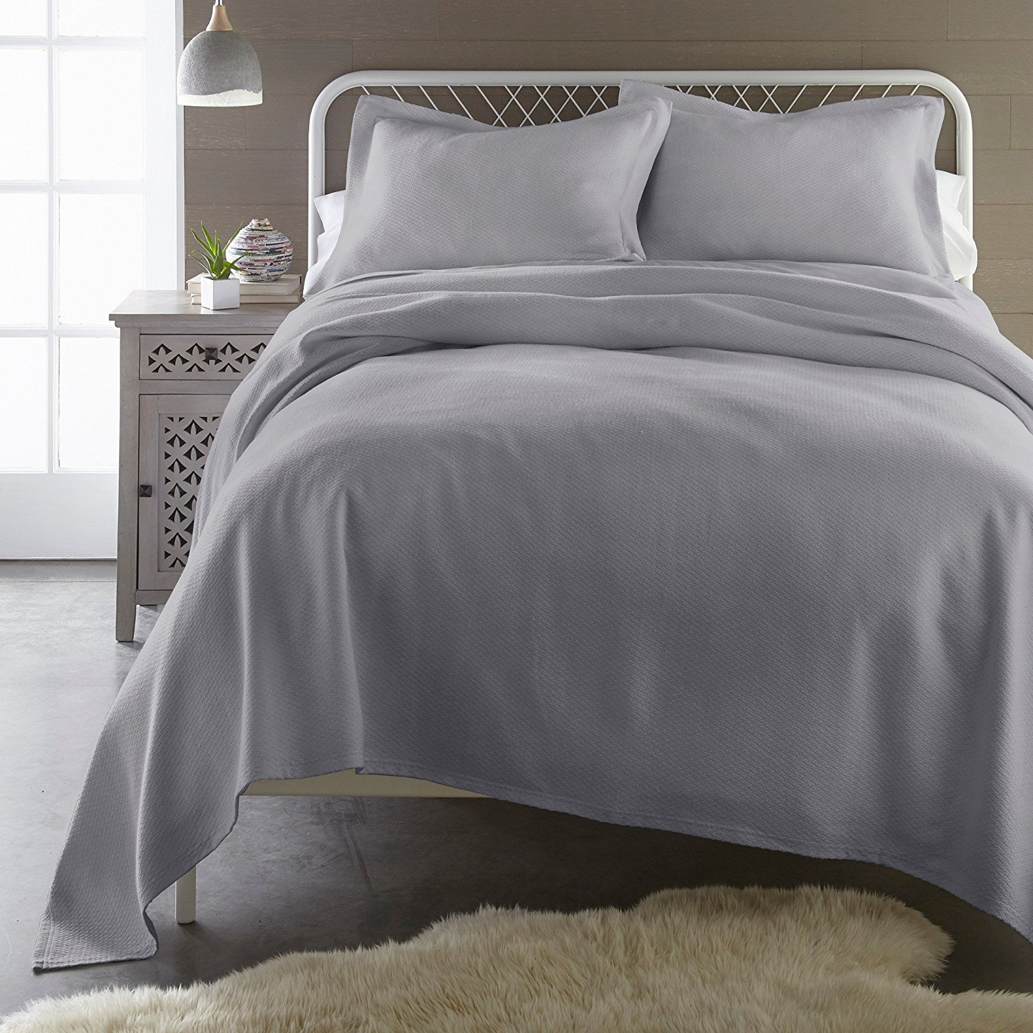Sterling Creek Gavin 3-Piece Solid Woven 100% Soft-Cotton Jacquard Matelassé Bedspread Coverlet Set