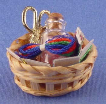 Dollhouse Basket W/Sewing
