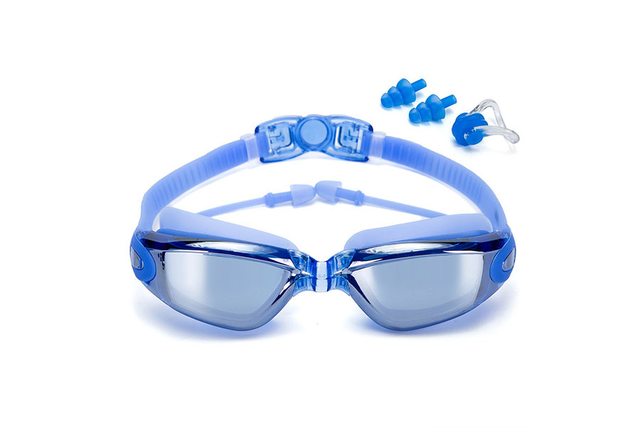Clear Plastic Anti-fog Swim Goggles with Earplugs, Protection Case, and Nose Clips by Etcbuys