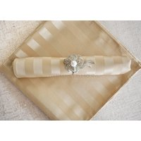 """Wedding Linens Inc. (10pcs) 20""""x 20"""" Stripe Jacquard Polyester Cloth Napkins for Wedding Party Reception Stripes Linen Napkin Event Catering Decorations - Champagne"""