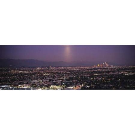 Images panoramiques PPI108997L b-timents dans une ville allum-es au cr-puscule Hollywood San Gabriel Mountains Los Angeles Los Angeles Californie copie d'affiche par images panoramiques - 36 x 12 - image 1 de 1