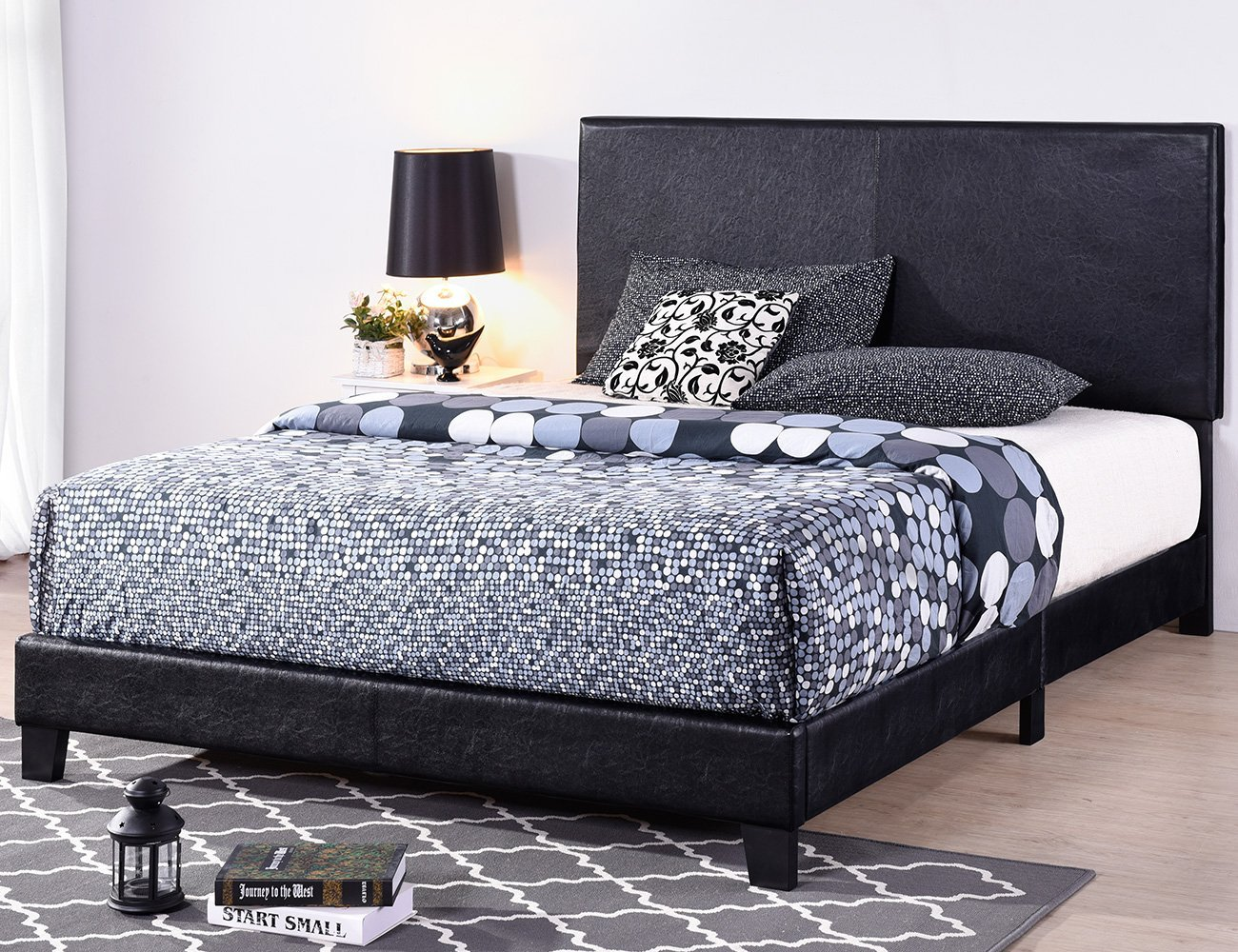 Exceptionnel Harperu0026Bright Designs Vienna Faux Leather Upholstered Platform Bed With  Wooden Slats (Full)