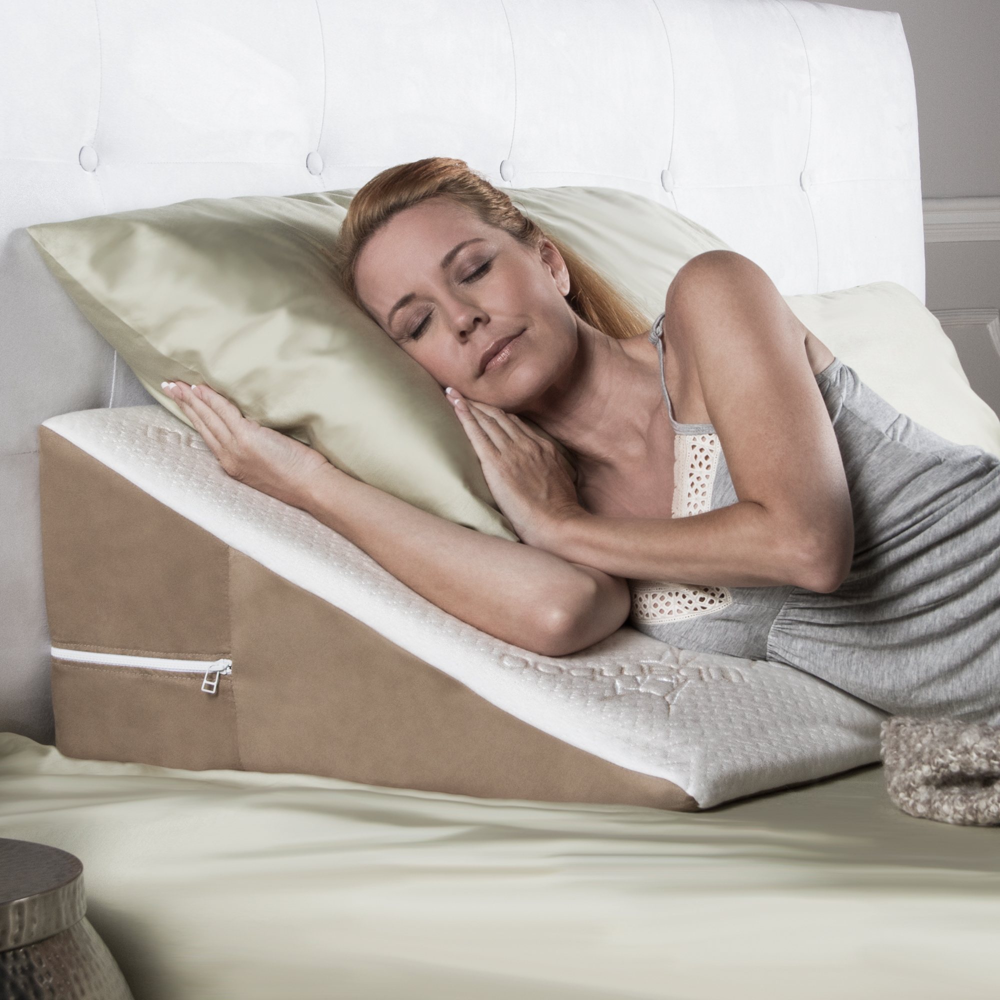 """Avana Back Wedge Acid Reflux Pillow with Bamboo Cover, 8"""""""