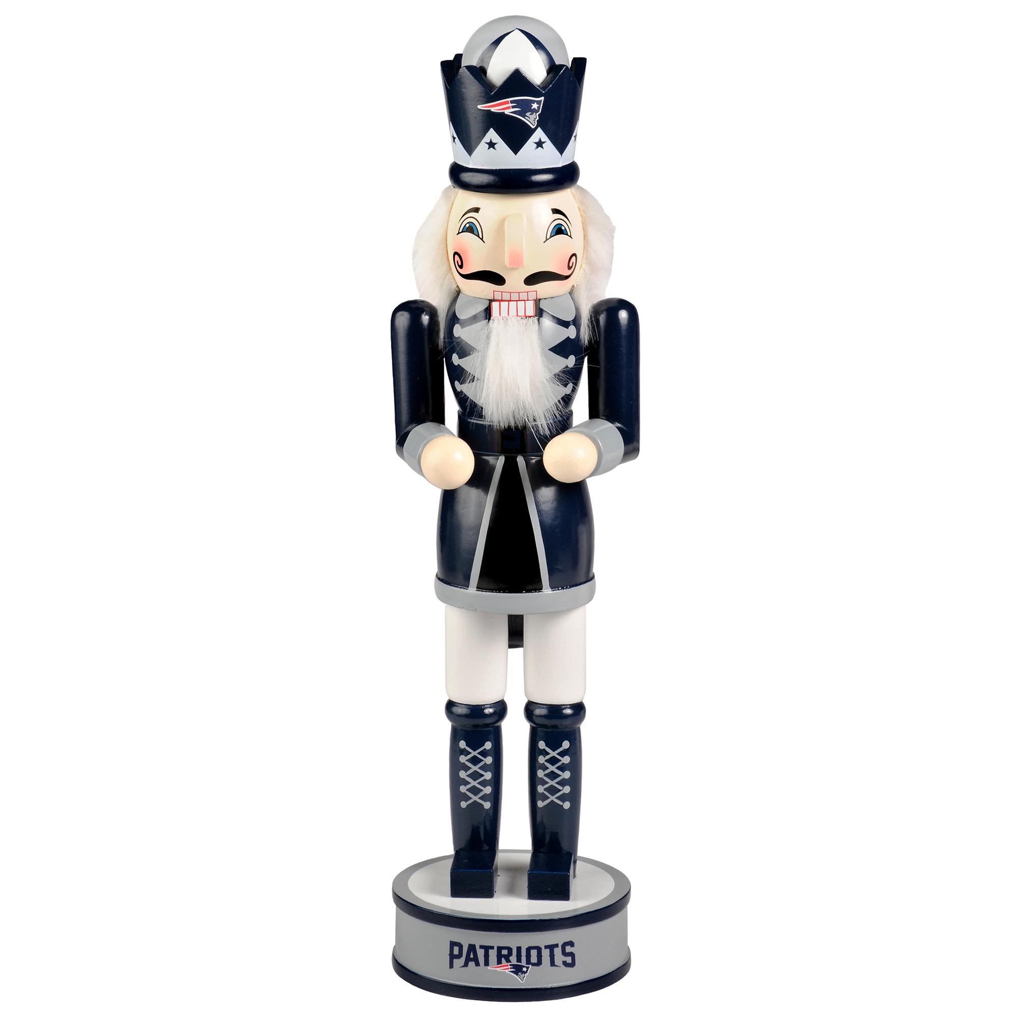 Forever Collectibles - Holiday Nutcracker V2, New England Patriots
