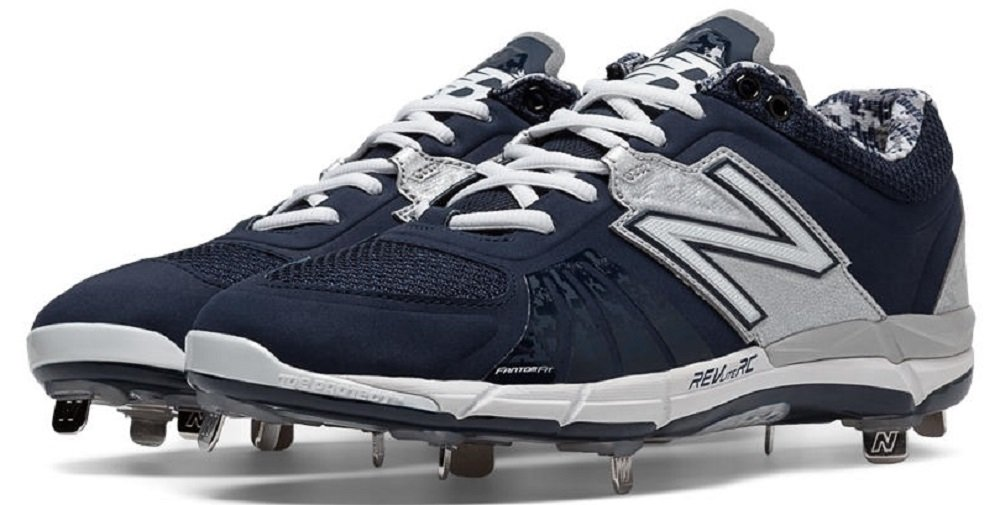 New Balance Men's 3000v2 Low Metal Baseball Cleats