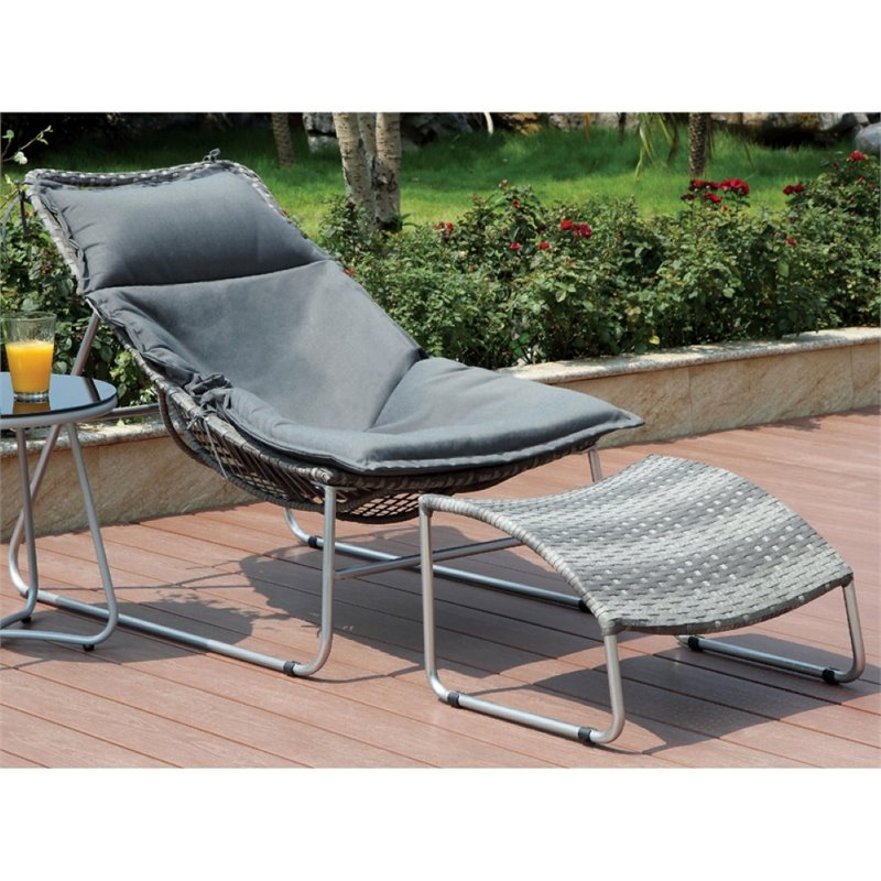 Furniture of America Cerritos Patio Chair with Ottoman in Silver