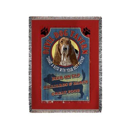 Devil Dog Tavern Vintage Sign - Basset Hound - Lantern Press Artwork (60x80 Woven Chenille Yarn Blanket)