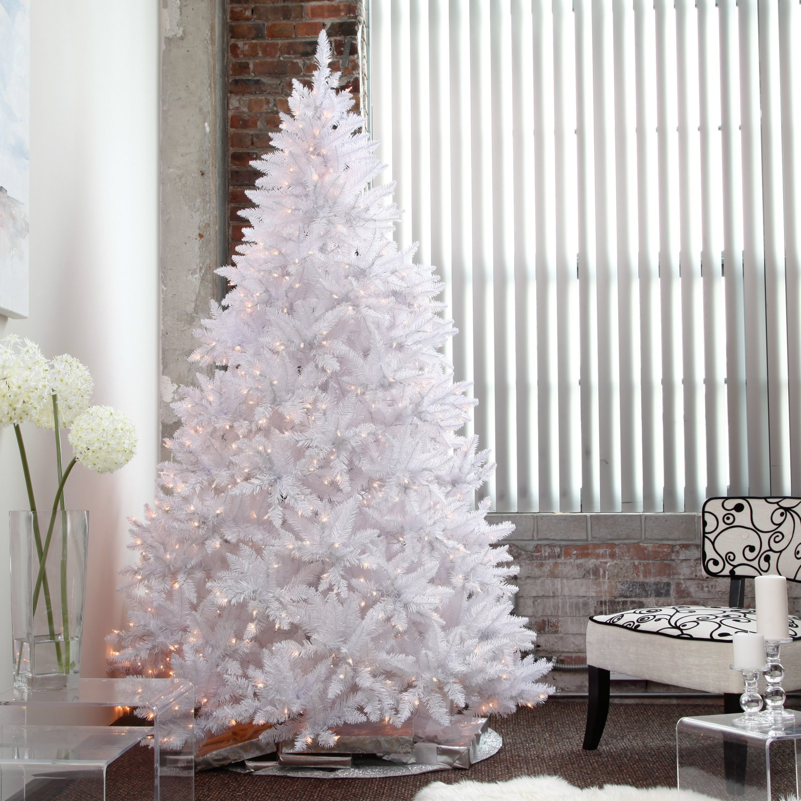 Winter Park Full Pre-lit Christmas Tree