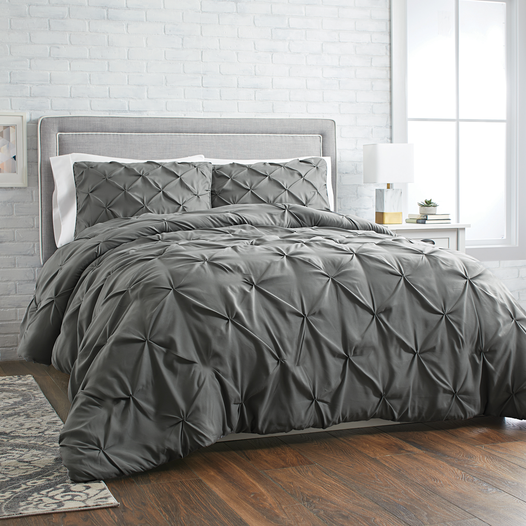 Better Homes and Gardens 3-Piece Pintuck Comforter Set