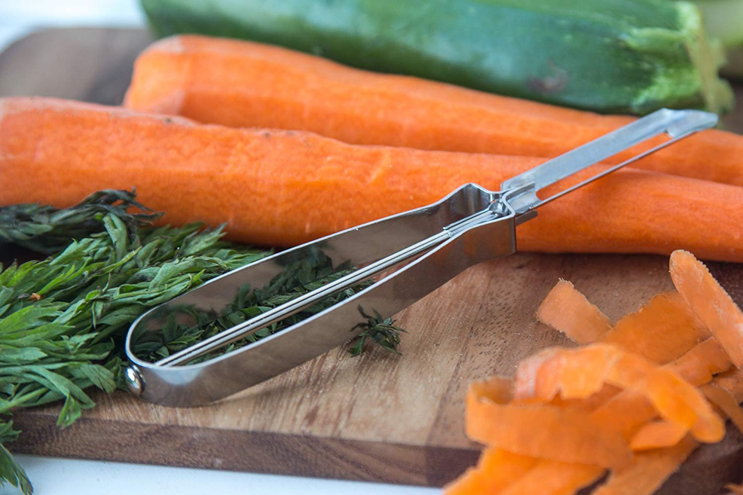 FoxRun Classic Stainless Steel Fruit Vegetable Peeler Peel Carrot Potato Tool