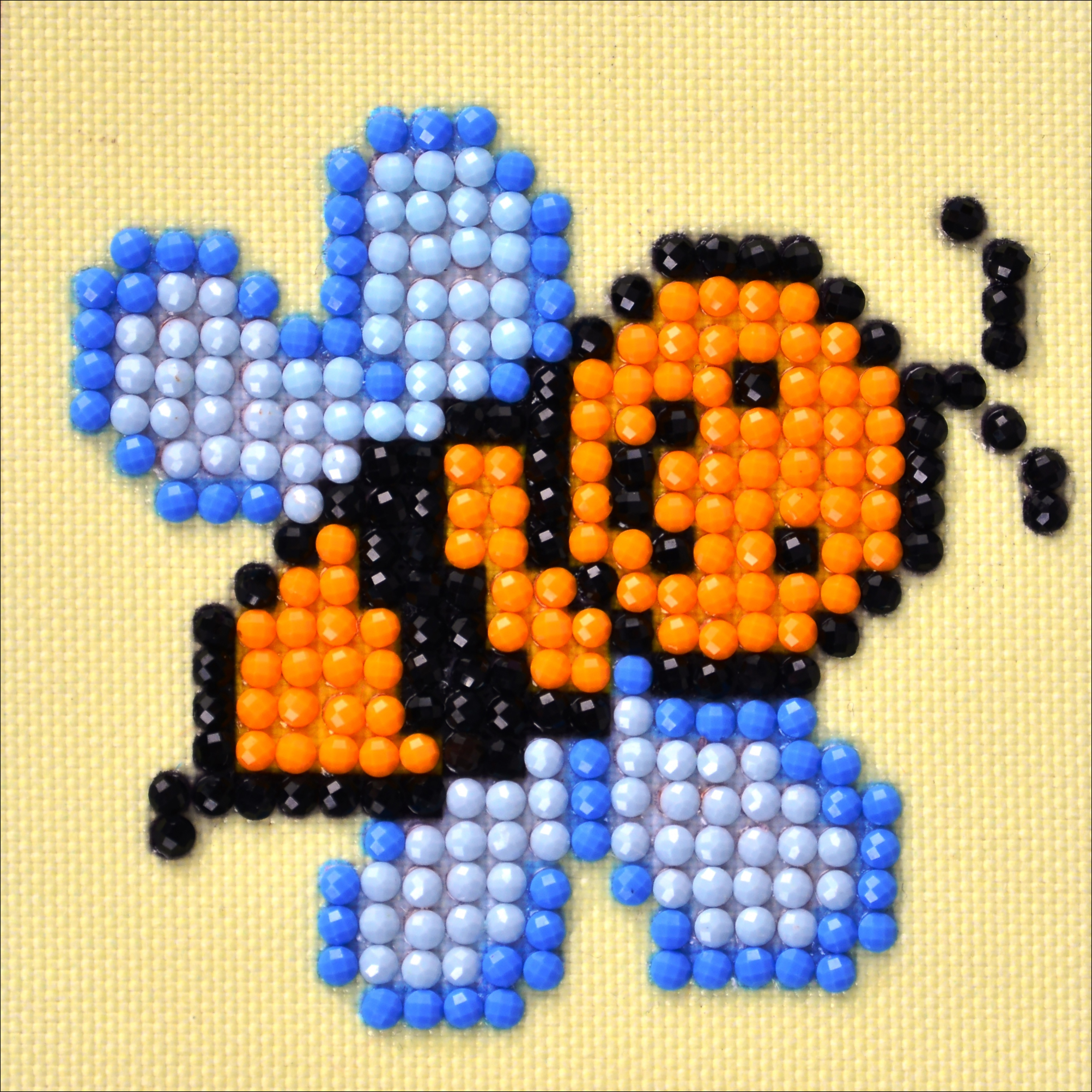 "Diamond Dotz Diamond Embroidery Facet Art Kit 4.75""X4.75""-Busy Buzzz"