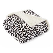 Betsey Johnson Betseys Leopard Pink Ultra Soft Plush Throw