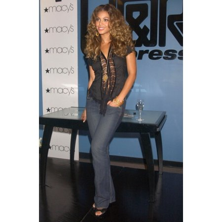 Beyonce Knowles At In-Store Appearance For Beyonce Knowles Releases Solo Album BDay J&R Express At MacyS Herald Square New York Ny September 08 2006 Photo By Kristin CallahanEverett Collection Celebri (Album Express)