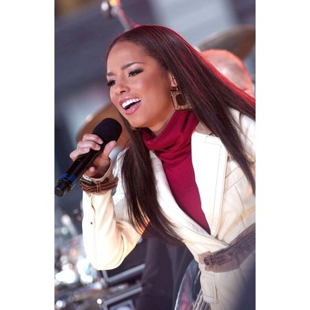 Good Design 2007 - Alicia Keys On Stage For Gma Good Morning America Concert With Alicia Keys Rockefeller Center New York Ny November 13 2007 Photo By Kristin CallahanEverett Collection Celebrity