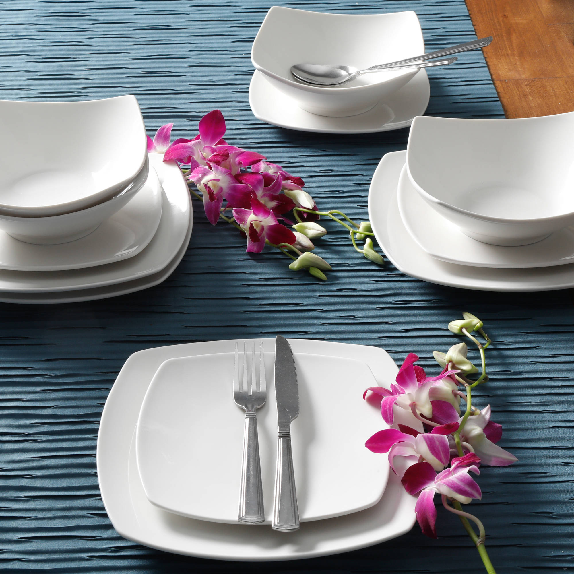 Gibson Home Everyday Square 12 Piece Dinnerware Set