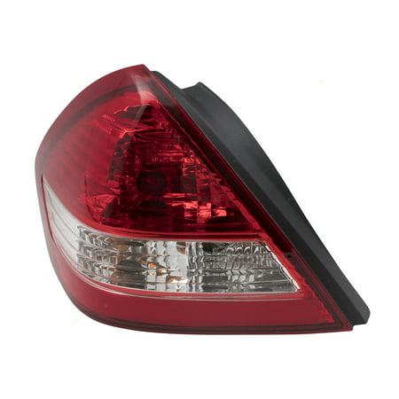 - 07-11 Nissan Versa Sedan Drivers Tail Light Left Tail Lamp Assembly 26555EL30A