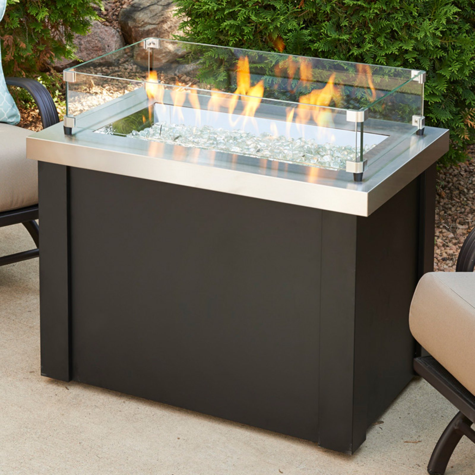 Outdoor GreatRoom Providence 36 in. Fire Table with Free Cover
