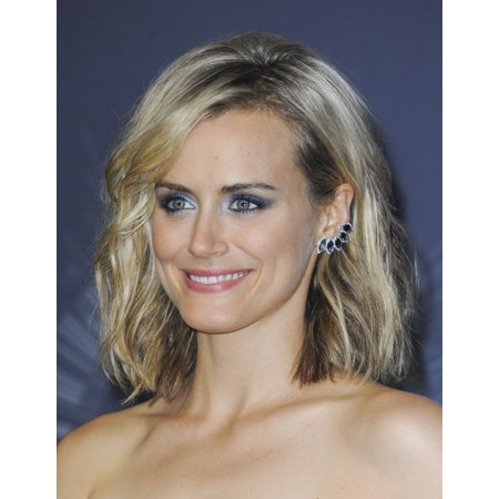 Taylor Schilling In The Press Room For Mtv Video Music Awards  Vma  2014   Press Room Canvas Art     16 X 20