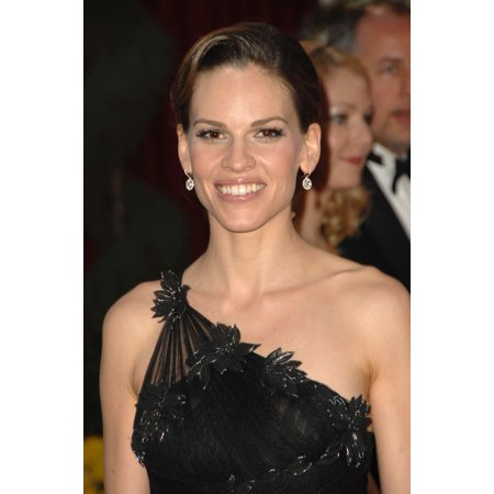 Hilary Swank At Arrivals For Part 2 - Red Carpet - 80Th Annual Academy Awards Oscars Ceremony The Kodak Theatre Los Angeles Ca February 24 2008 Photo By David