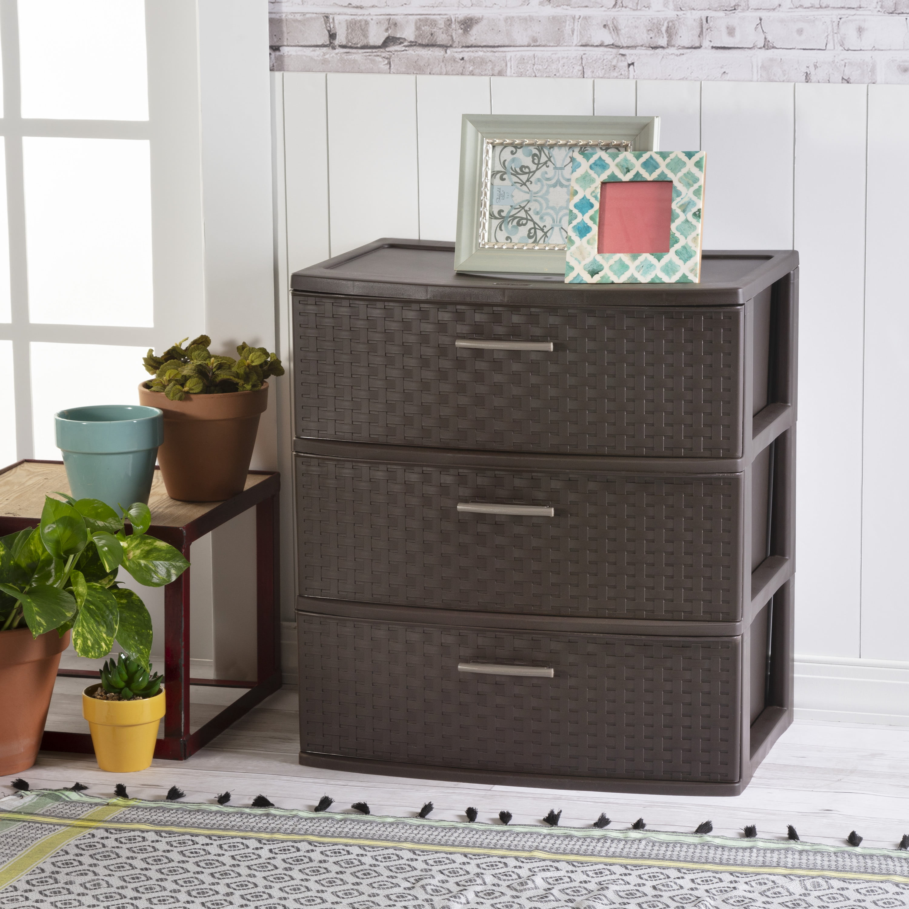 Sterilite 01986P01 3 Weave Drawer Unit 1-Pack Espresso with Driftwood Handles and Legs