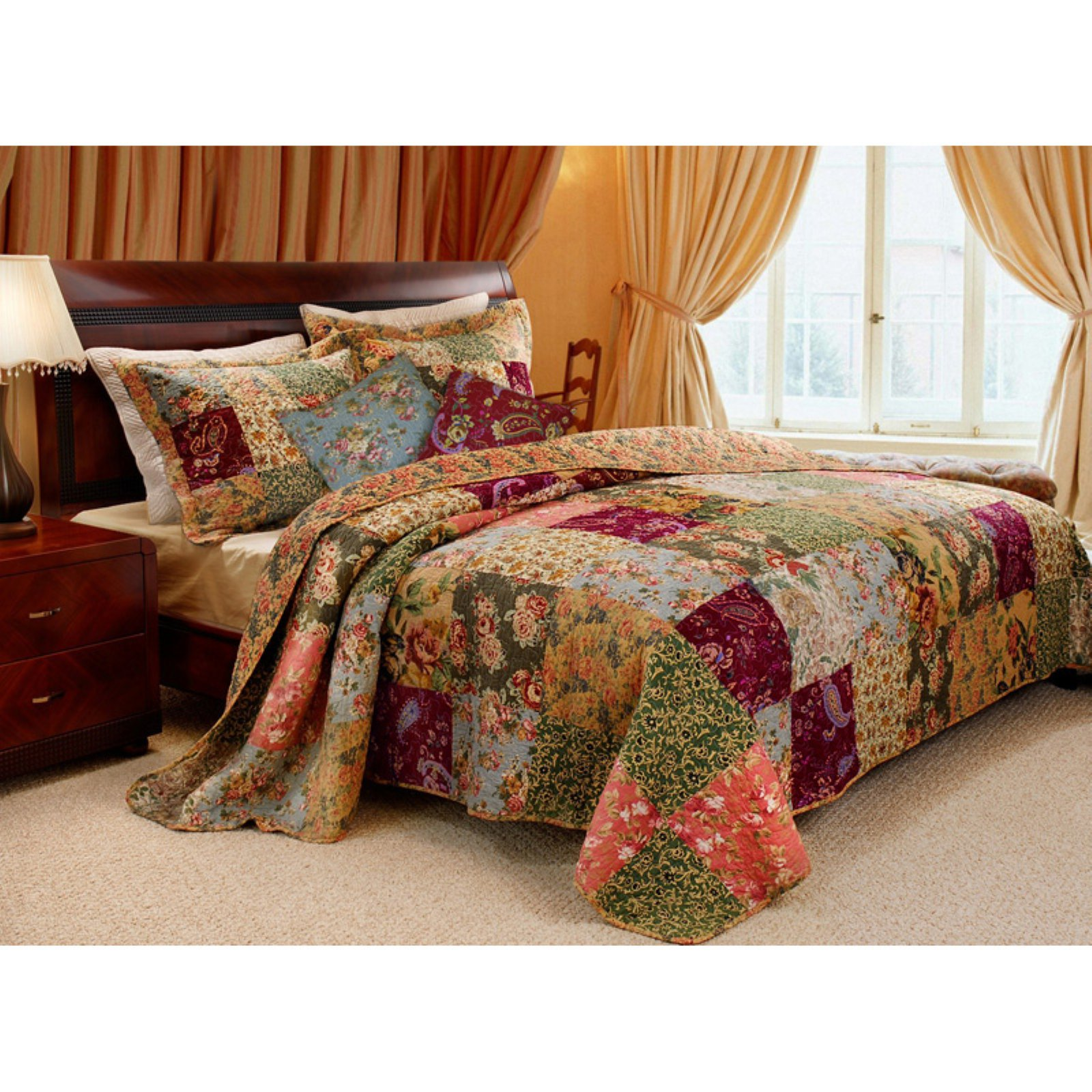 Greenland Home Fashions Antique Chic Quilt Set Includes Bonus 16 in. Pillow by Greenland Home Fashions