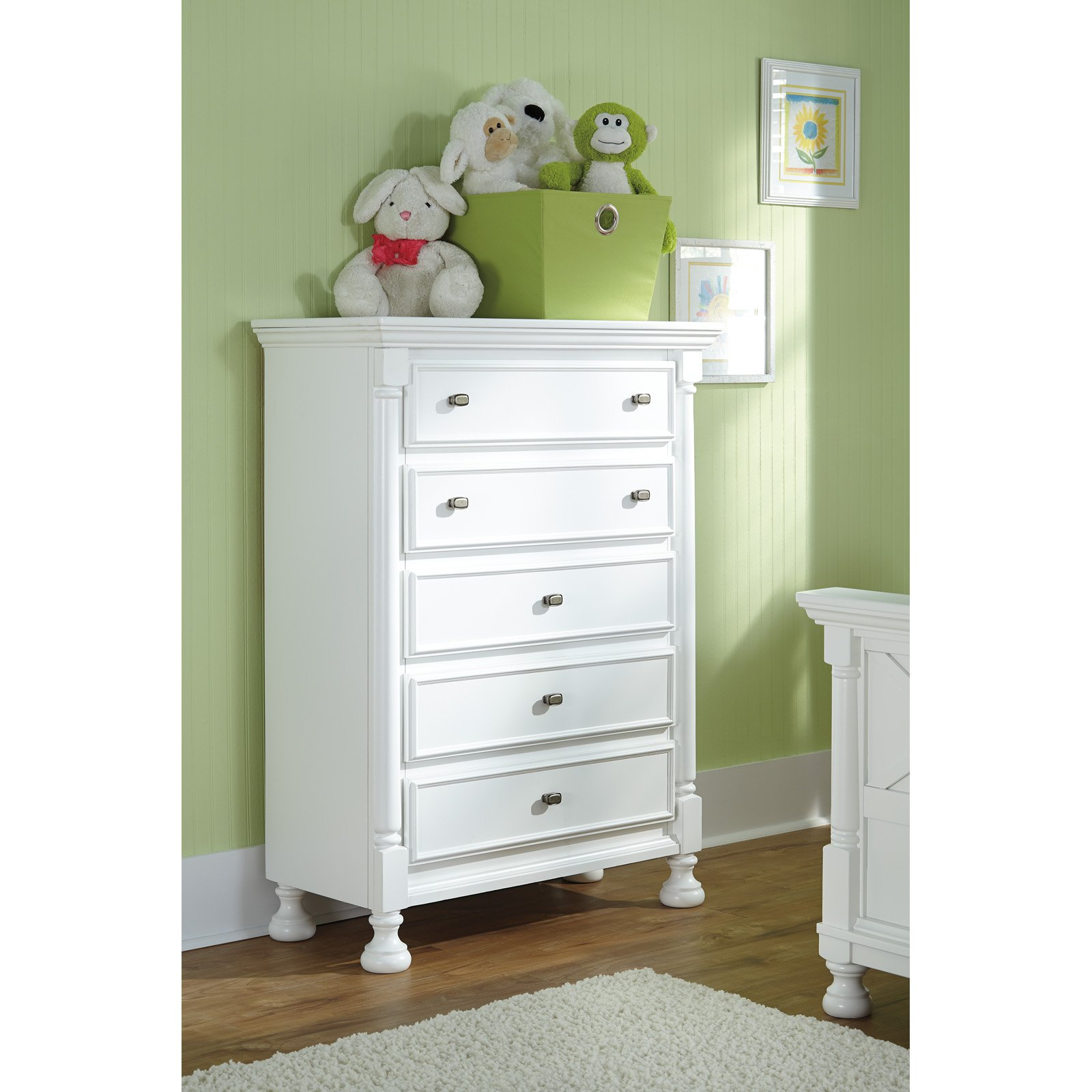 Signature Design by Ashley Kaslyn 5 Drawer Chest