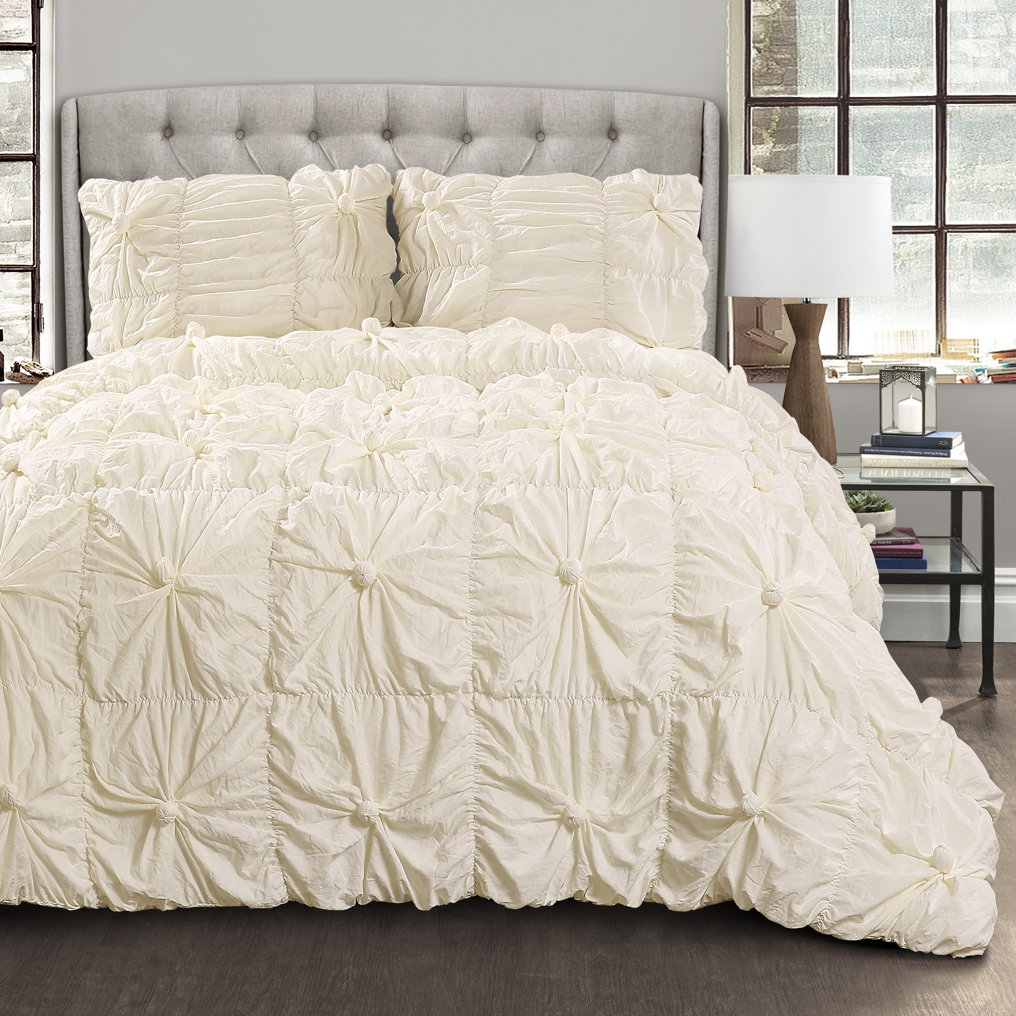 Bella Comforter Ivory 3Pc Set Full/Queen