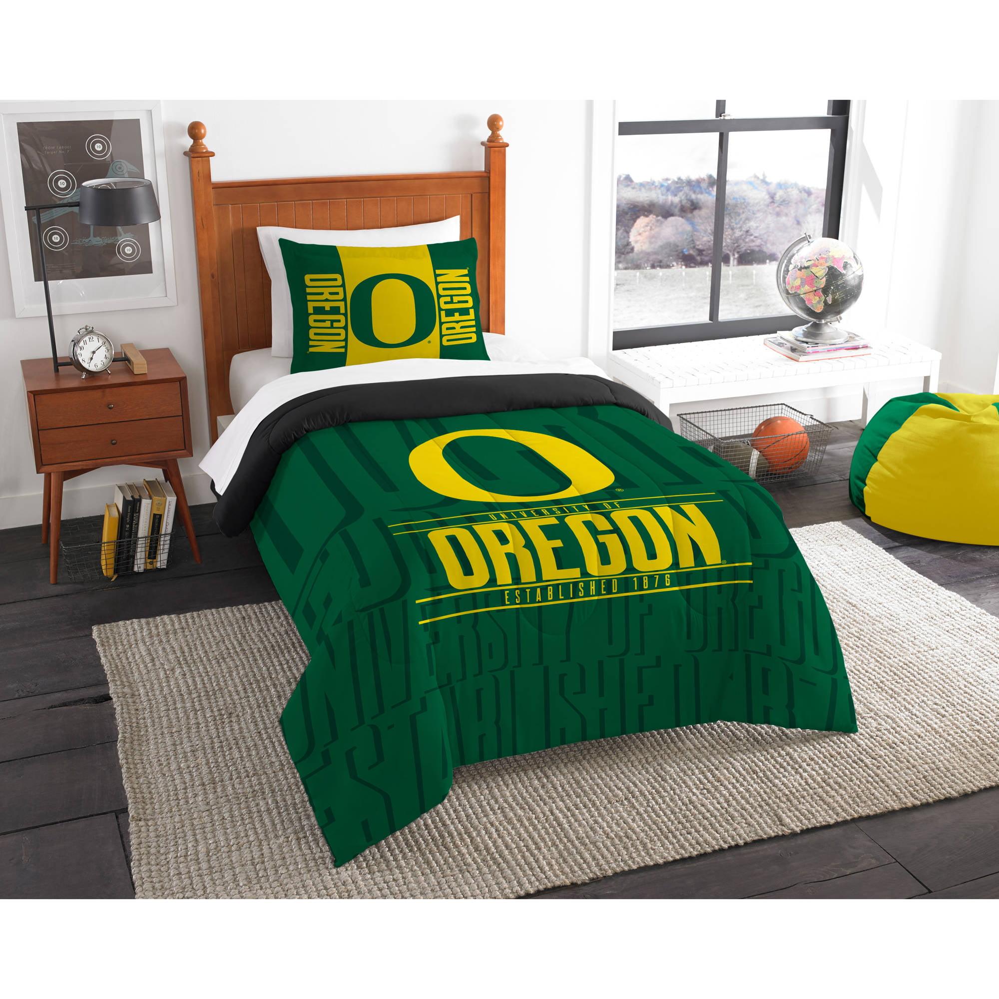 "NCAA Oregon Ducks ""Modern Take"" Bedding Comforter Set"