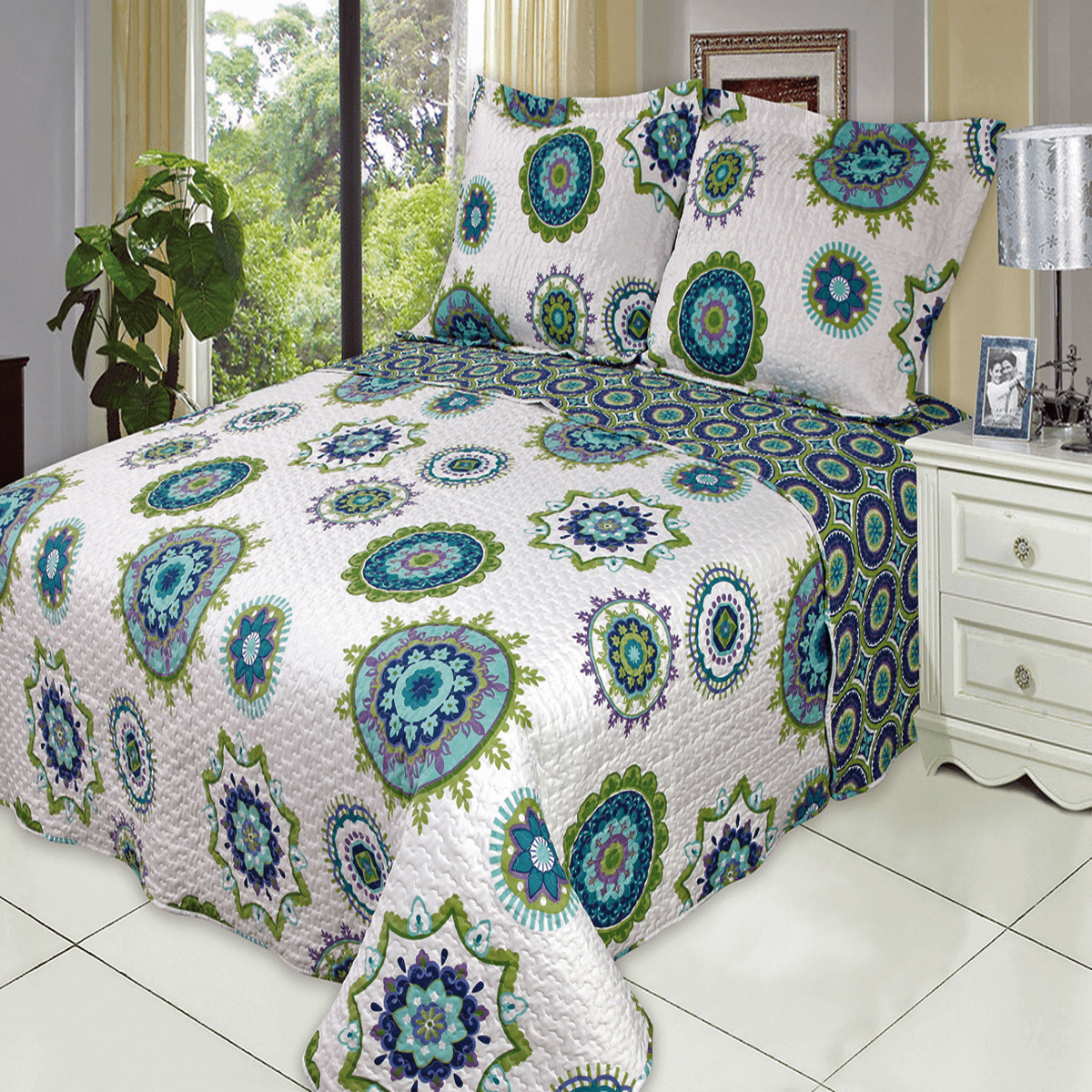Julia Fashion Floral Design Coverlet Set Oversized Lightweight Reversible Quilt Bedding... by Royal Plaza Textiles, Inc.