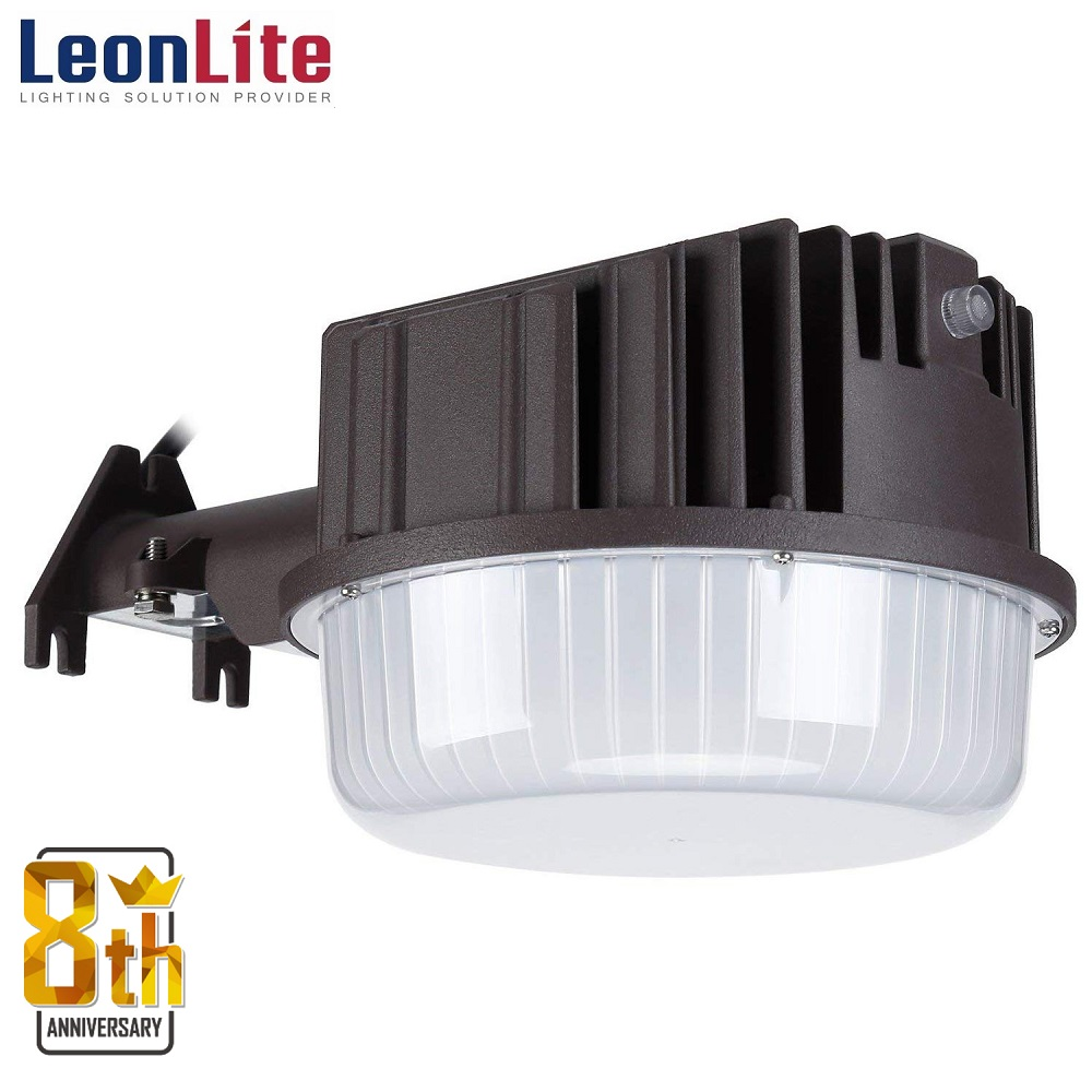 LEONLITE Dusk to Dawn LED Outdoor Barn Light, 80W LED Security Light for Yards, Barns, Parking Lots, Garages, 5000K Daylight