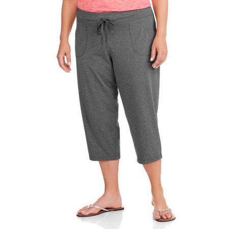 074214ef616cc Danskin Now - Women s Plus-Size Patch Pocket Capri - Walmart.com