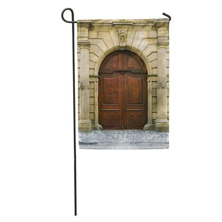 KDAGR Stone Old Wooden Church Door Big Archway Arch Medieval Vintage Garden Flag Decorative Flag House Banner 28x40 inch](Banner Medieval)