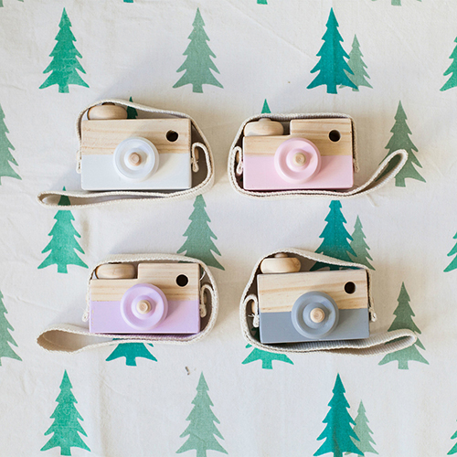 Girl12Queen Cute 3D Cartoon Wooden Hanging Camera Kids Xmas Gift Wall Hanging Ornament Decor