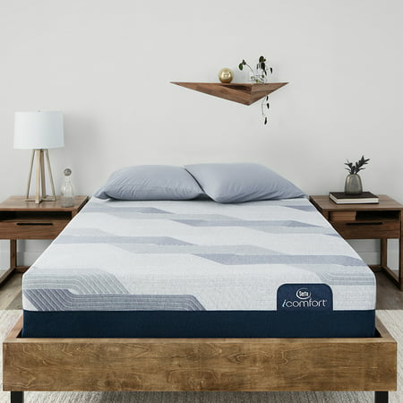 Serta King Mattresses (Serta iComfort Blue 300CT Plush Cal King Low Profile Mattress Set)
