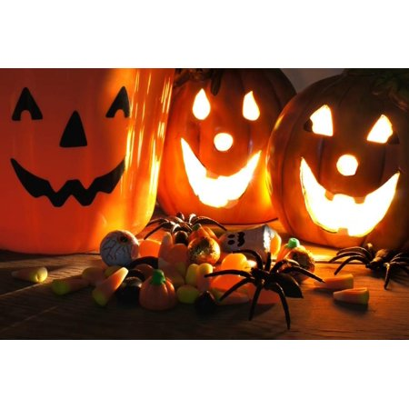 Halloween Treats Print By Jeni - Fotos De Trajes De Halloween