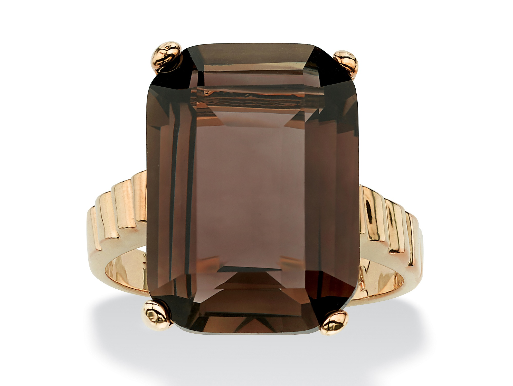 DV Jewels harming Ring with a Square Cut Gemstone in a Unique and Feminine Design