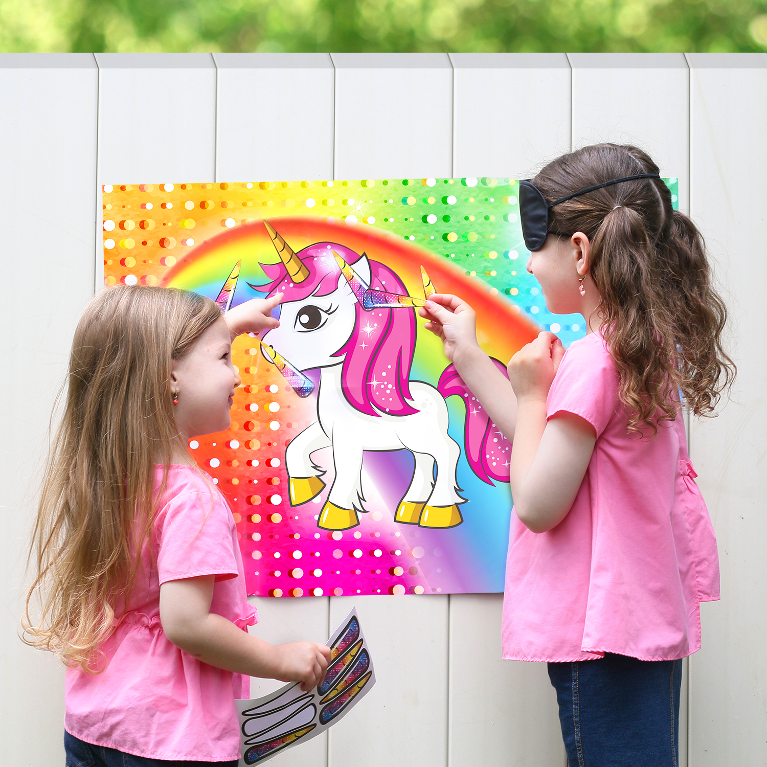 Pin The Horn On The Unicorn Party Favor Game For Kids Includes 24 Reusable Sticker Horns 2 Blindfolds 10 Adhesive Glue Dots Walmart Com Walmart Com